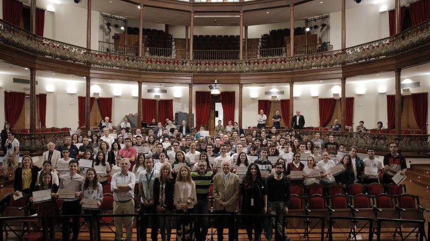 Organizadores y participantes de la actividad educativa en el Teatro Circo de Marte. Foto: Elena Mora (IAC).