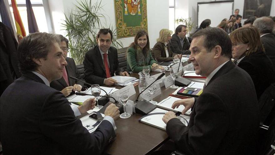 La FEMP descarta un acuerdo global en la reforma local, aunque no pactos puntuales
