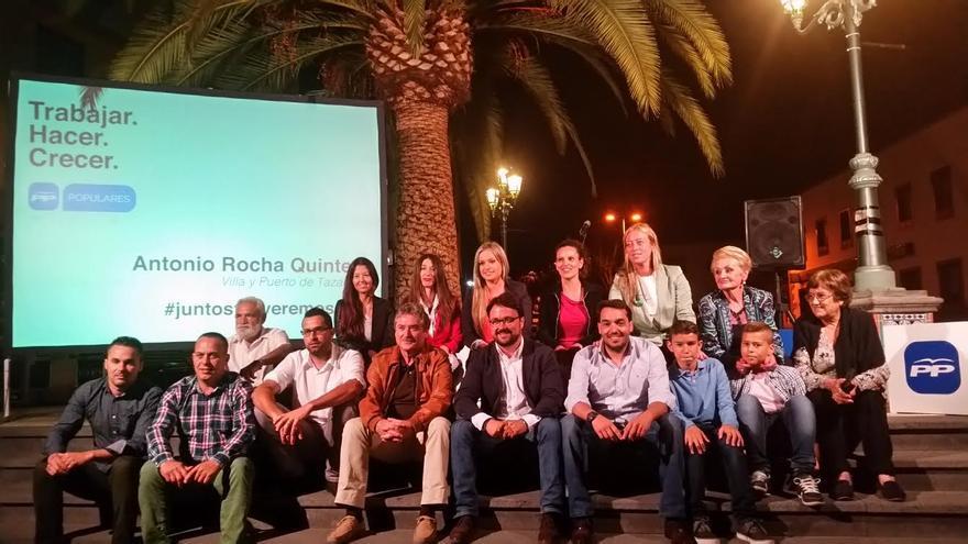 En la imagen, los miembros de la lista del PP al Ayuntamiento de Tazacorte con los candidatos al Parlamento y al Cabildo.