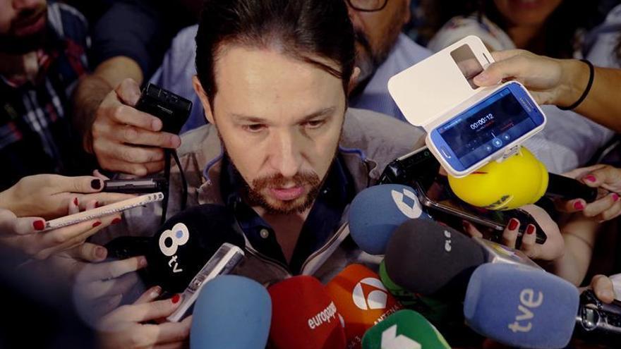 Iglesias exige a De Guindos que pruebe que no ha mentido por Soria o dimita