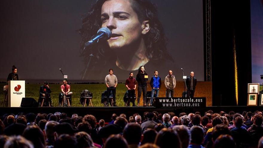 """Maialen Lujanbio recupera el título en el campeonato de """"bertsolaris"""""""