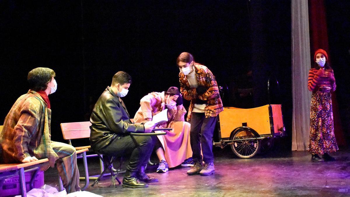Momento de una de las representaciones del grupo teatral  'Alegría'