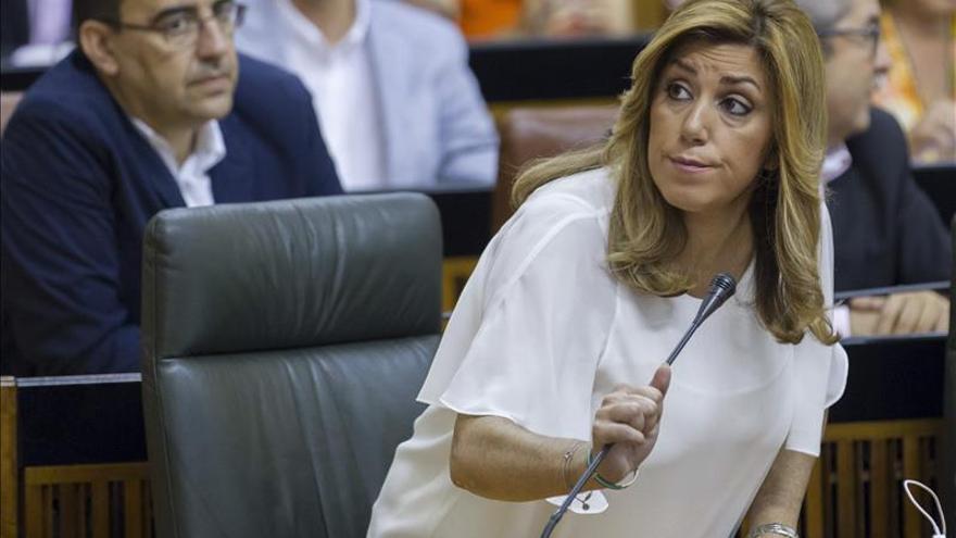 """Susana Díaz advierte a los partidos de que """"boicotear"""" instituciones """"al final"""" se paga"""