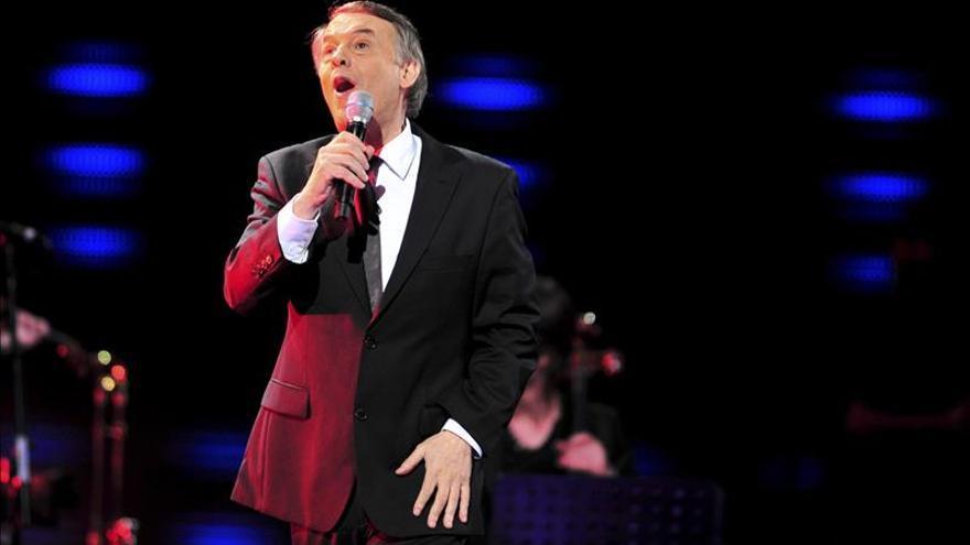 Adamo lleva al Auditori de Barcelona sus populares baladas románticas