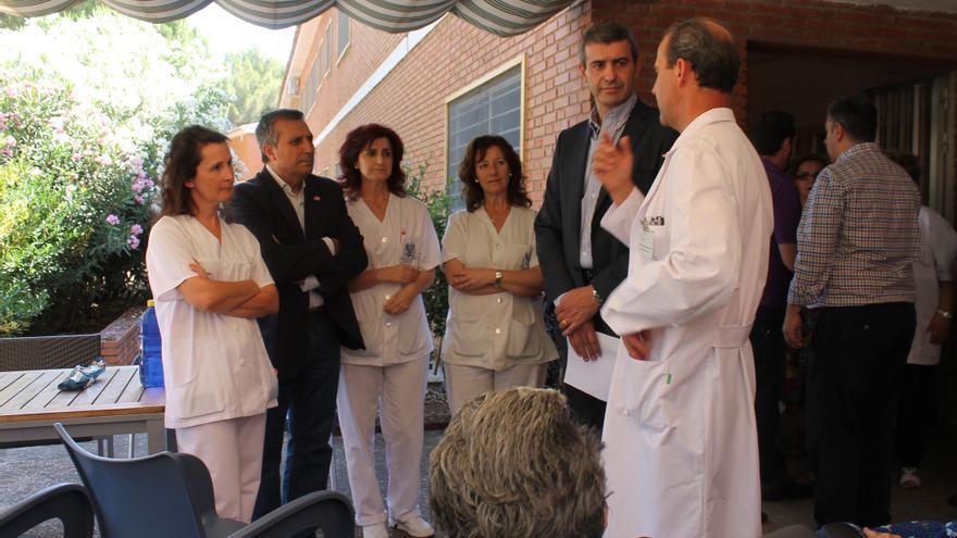 Álvaro Gutiérrez visita la residencia asistida de san José