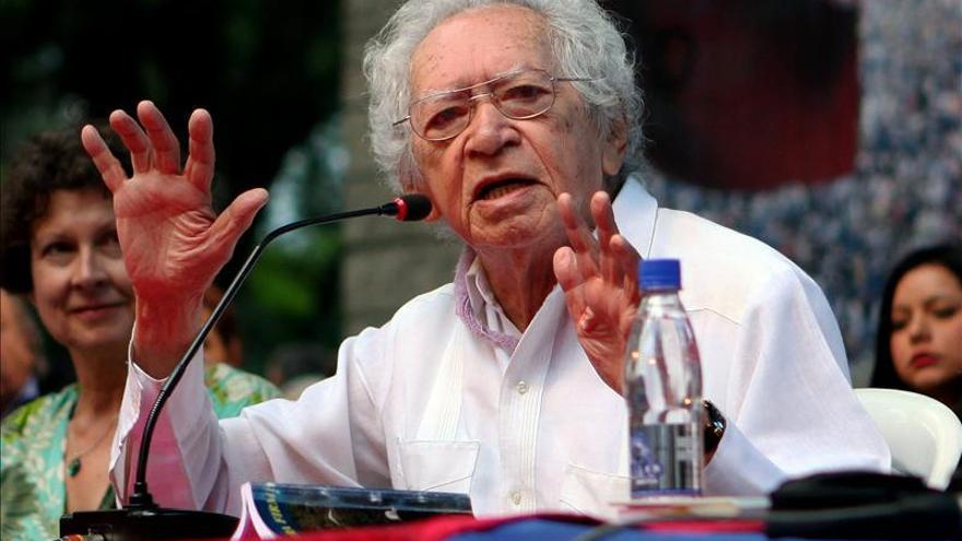 Versos de paz resuenan en Medellín al inicio del Festival Internacional de Poesía