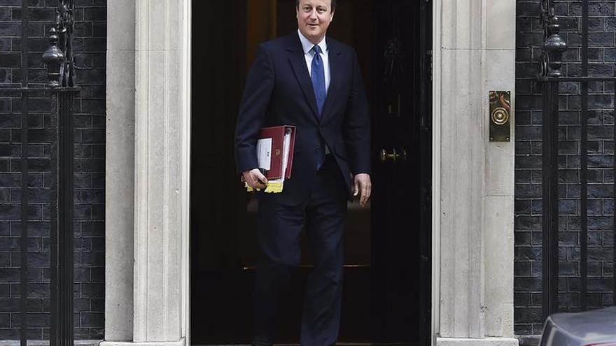 """Cameron se sintió """"muy defraudado"""" por May durante la campaña del referendo"""