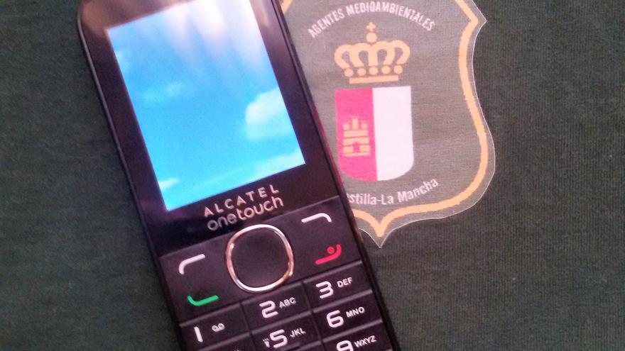 Modelo de móvil, sin acceso a datos, que facilita la Consejería a agentes medioambientales / CCOO