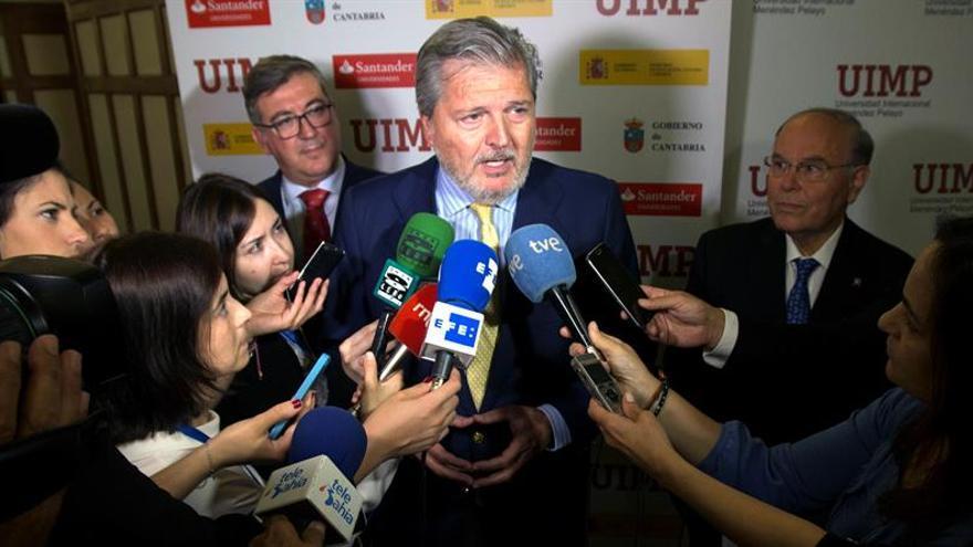Méndez de Vigo acusa a Sánchez de inmadurez democrática y aboga por negociar