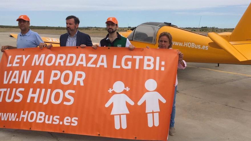 Campaña tránsfoba aérea de HazteOír.