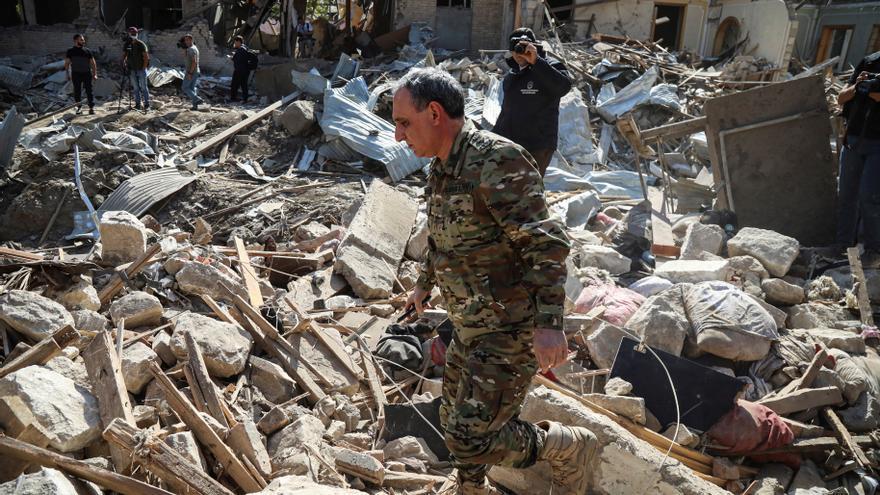 Nuevos ataques amenazan el alto el fuego en Nagorno Karabaj