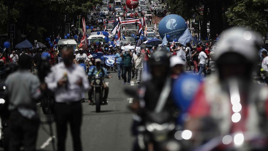 El Gobierno dialoga con los manifestantes para terminar con las protestas en Costa Rica