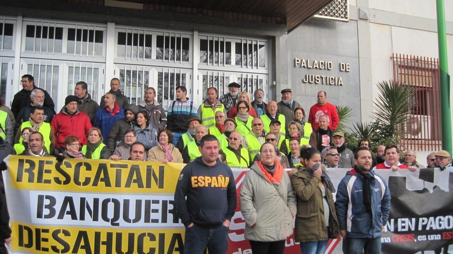 Stop Desahucios pide una postura coordinada de los jueces para aplicar las sentencias del Tribunal de la UE en favor de las familias afectadas.