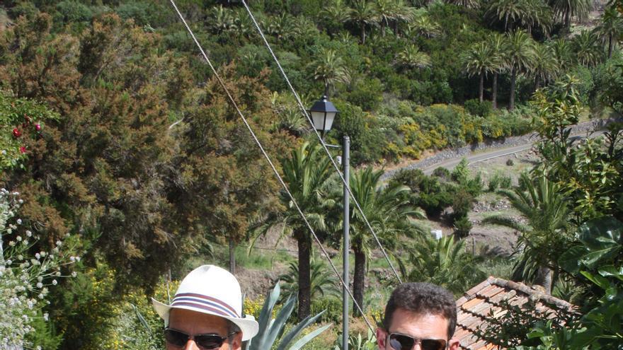 Fernando Méndez y Jaime Noda durante su visita a Arure y Las Hayas