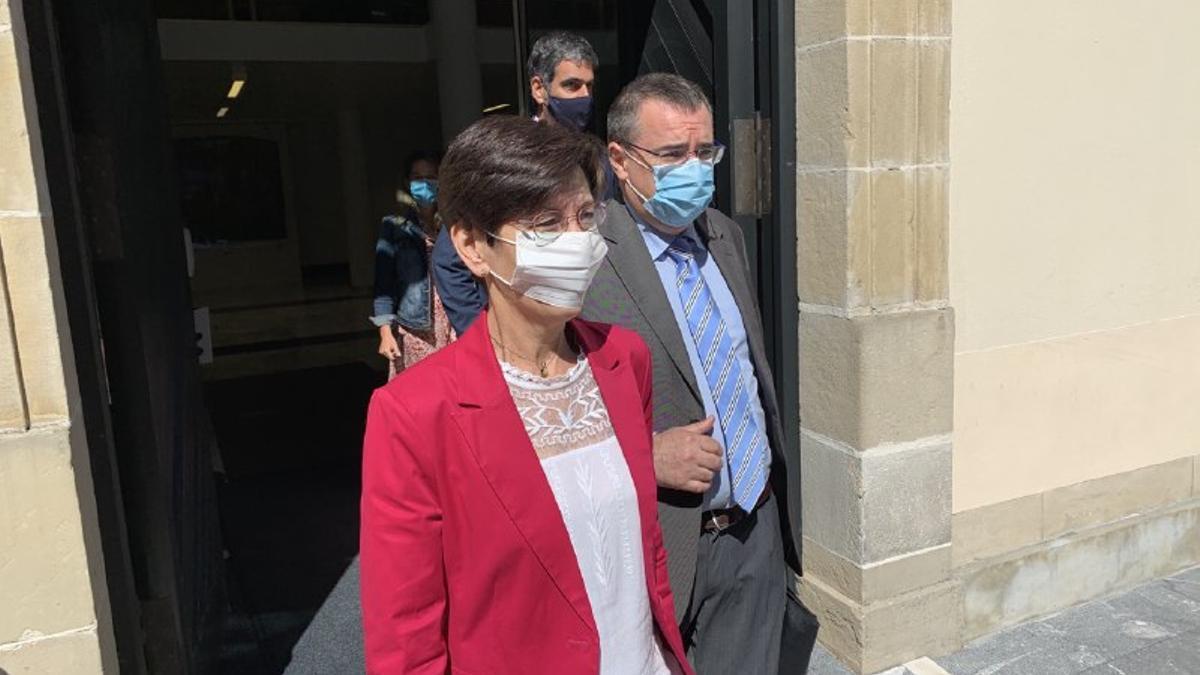 Estefanía Beltrán de Heredia, saliendo del Parlamento Vasco