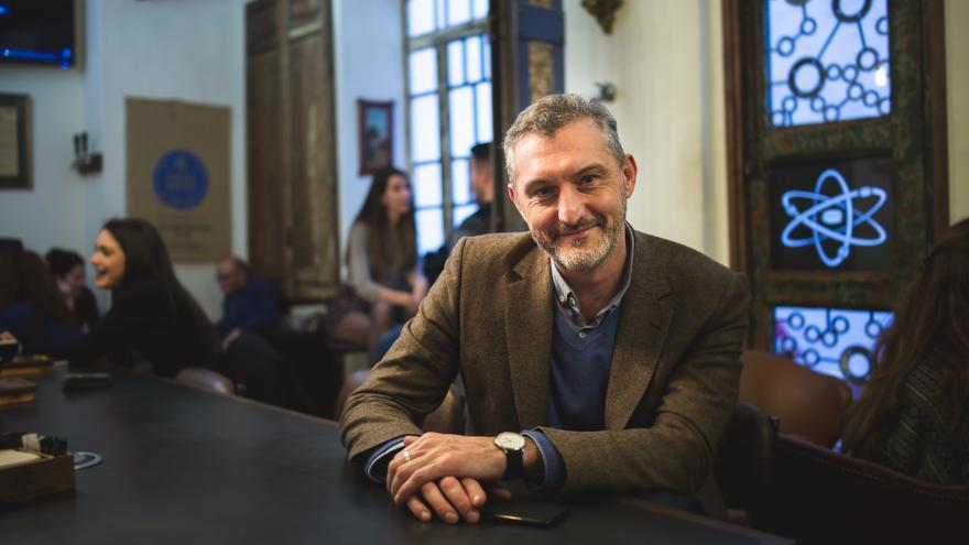 Secretario general de Podemos en Murcia, Óscar Urralburu/ David de Flores, Cámara Roja
