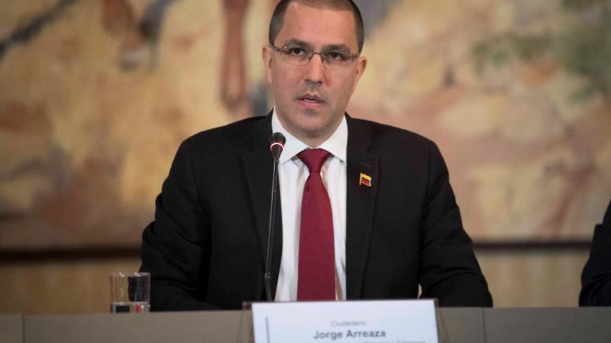 """Venezuela afirma que ha aprendido """"mucho"""" de Irán para """"burlar el bloqueo"""""""