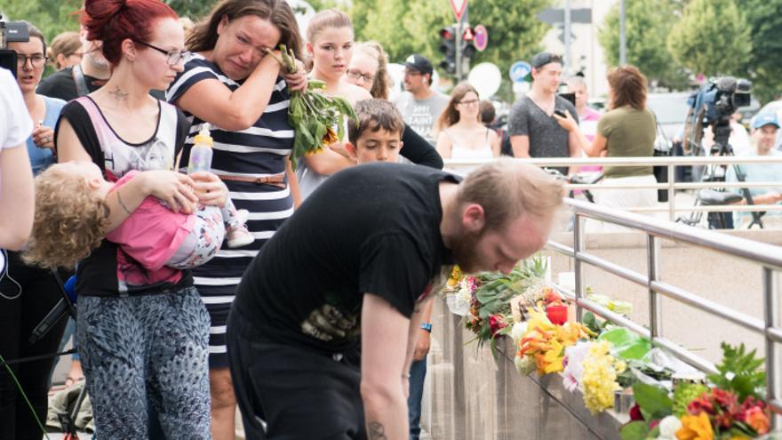 Ofrenda en el lugar del tiroteo de Múnich