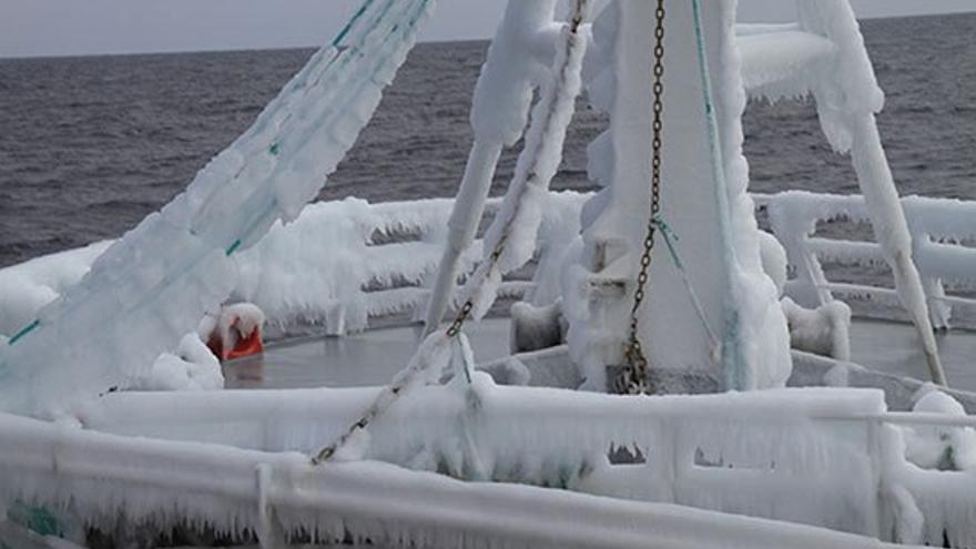 Casco del barco helado.