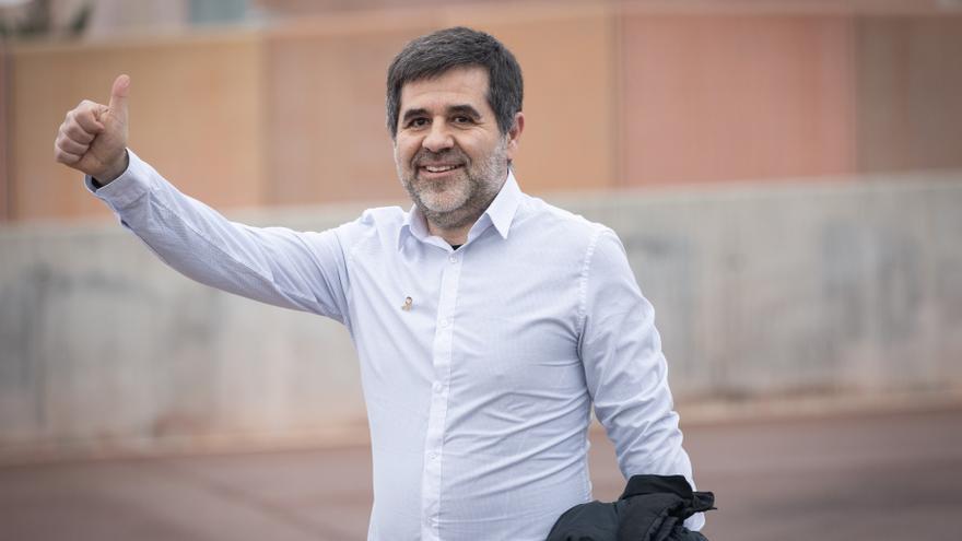 Jordi Sànchez sale de la cárcel de Lledoners por su primer permiso penitenciario de dos días.