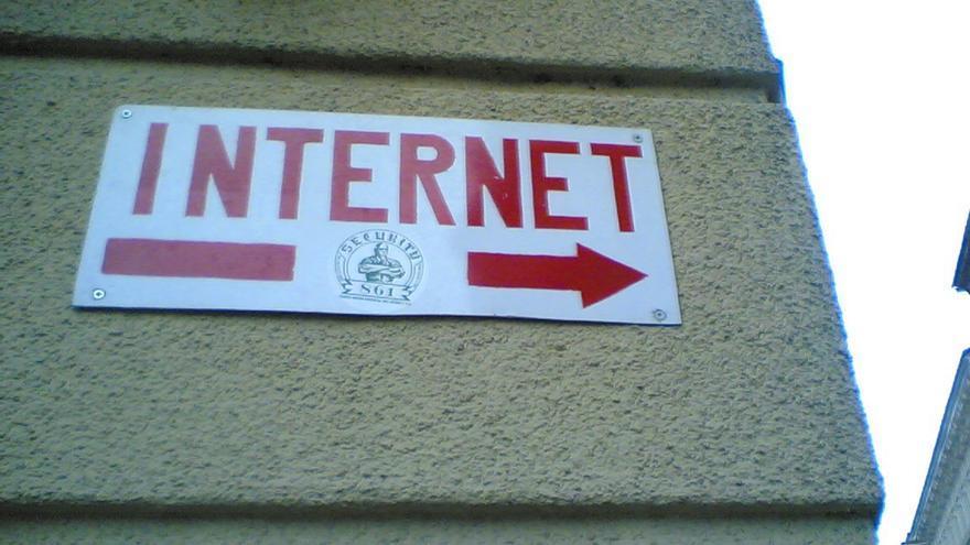 El control de Internet cambiará de manos en octubre
