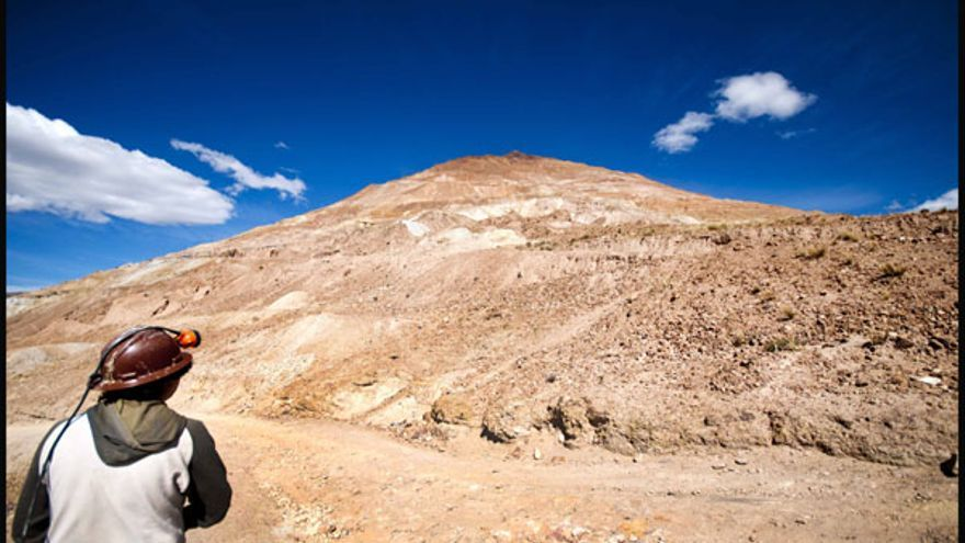 Minero boliviano en las minas de Cerro Rico. Fotografía: Diego Represa (Hemisferio Zero).