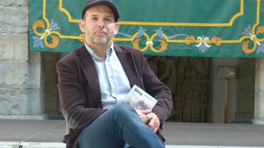 Álvarez-Ossorio, en el Parlamento de Cantabria durante la entrevista con eldiario.es. | R.V.