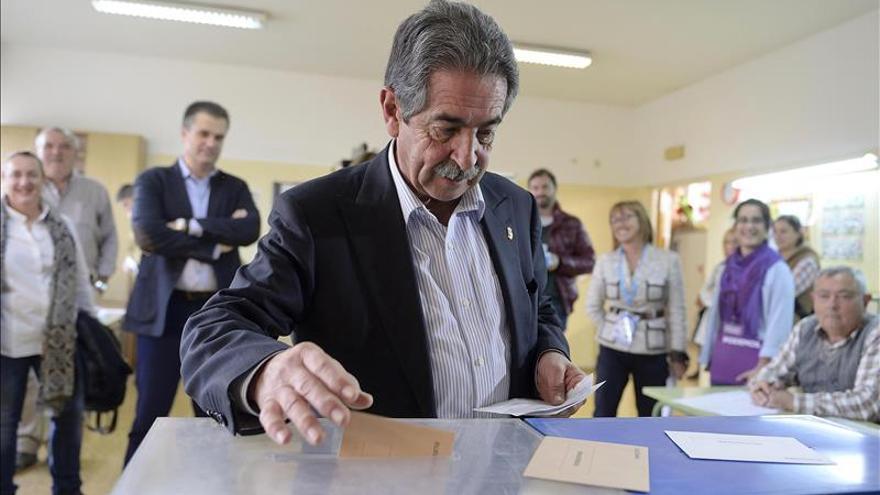 Revilla: Elecciones depararán un panorama inédito y desconocido en España