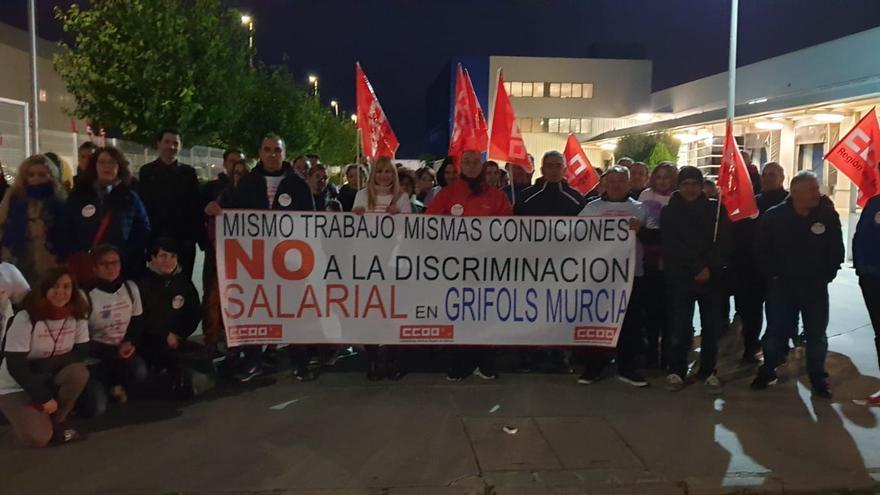 Los trabajadores de la farmacéutica internacional Grifols de Murcia