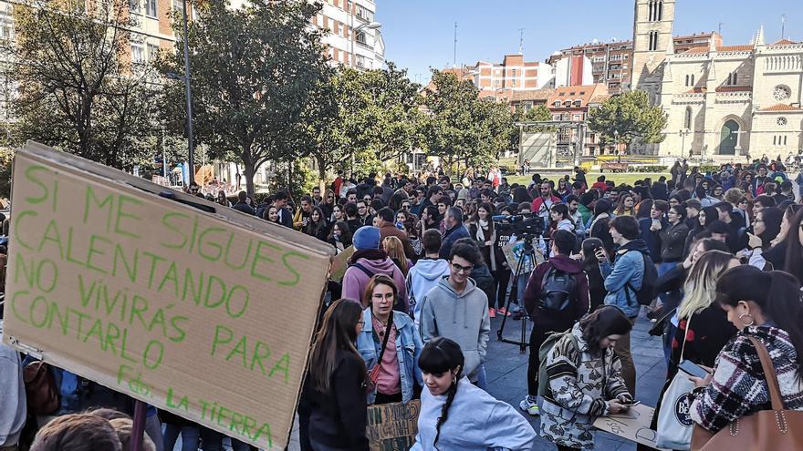 Concentración del 15M Verde en Valladolid.
