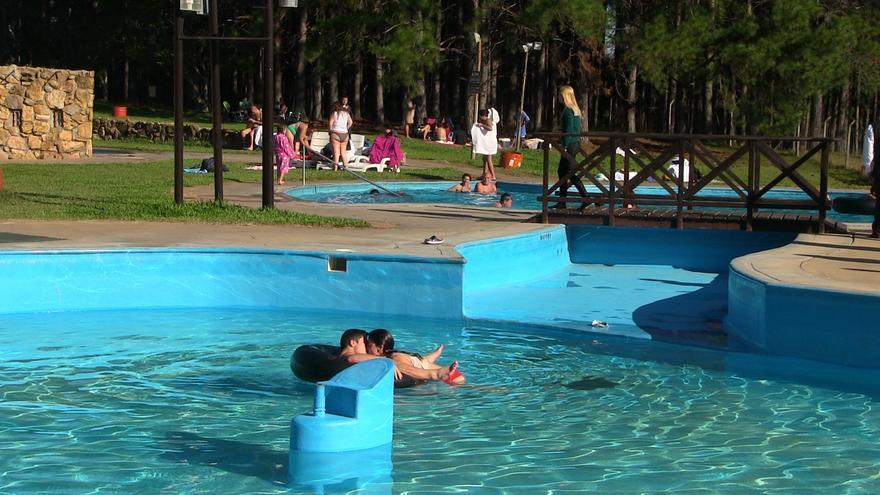 """Las termas de Uruguay, un destino """"sin riesgo de contagio"""" en sus piscinas"""