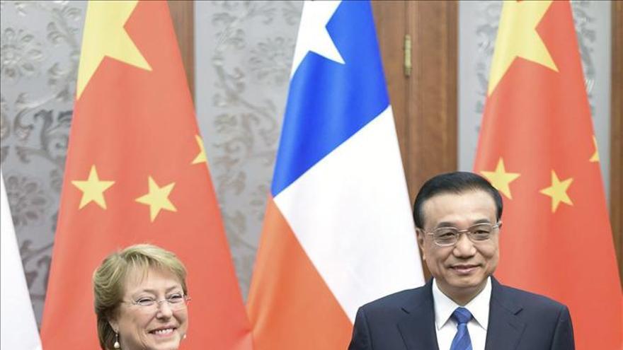Bachelet invita al primer ministro chino a Chile para impulsar acuerdos