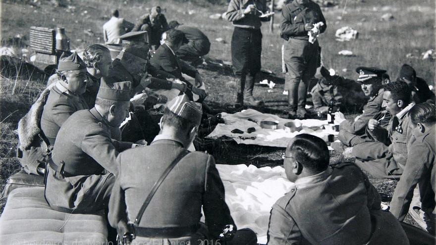 La memoria fotográfica inédita de la guerra civil que emerge en A Estrada