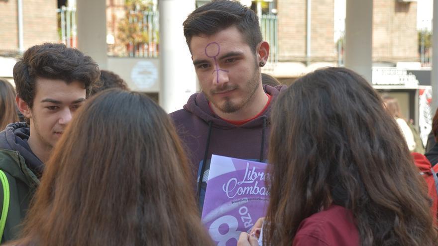 Concentración estudiantil. Huelga Feminista 8M Murcia (10)