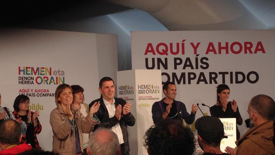 Arnaldo Otegi en el mitin de Llodio en la campaña electoral vasca.