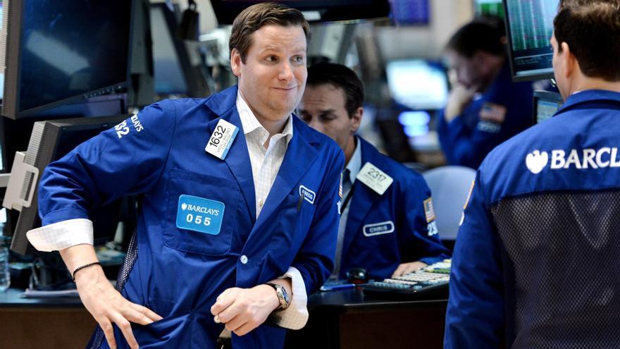 Wall Street sube el 0,56 por ciento impulsado aún por las medidas de la Reserva Federal
