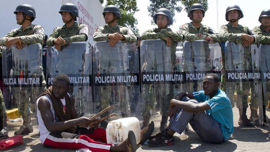 Imagen de la manifestación de inmigrantes subsaharianos y haitianos que terminó con enfrentamientos violentos con la Policía.