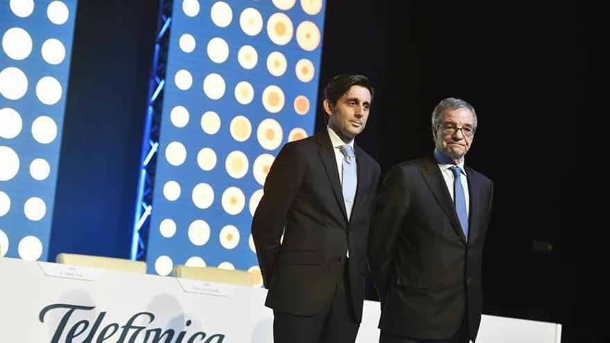 Álvarez-Pallete dice a los accionistas que el endeudamiento de Telefónica mejorará