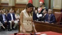 Matilde Zambudio, concejala de Ciudadanos, en el momento en que promete su cargo