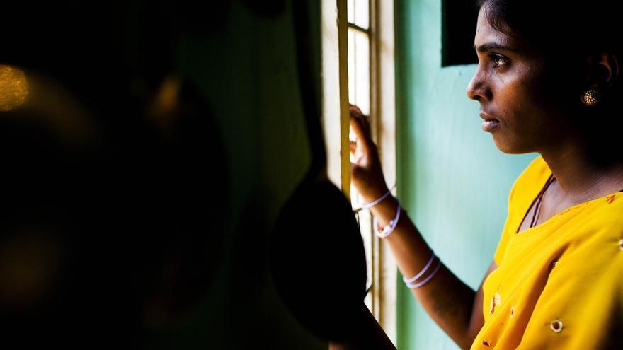 P. Chandrakala es de India y tiene 23 años. Ha sido víctima de violencia de género y es portadora del VIH. (Sanjit Das / ActionAid)