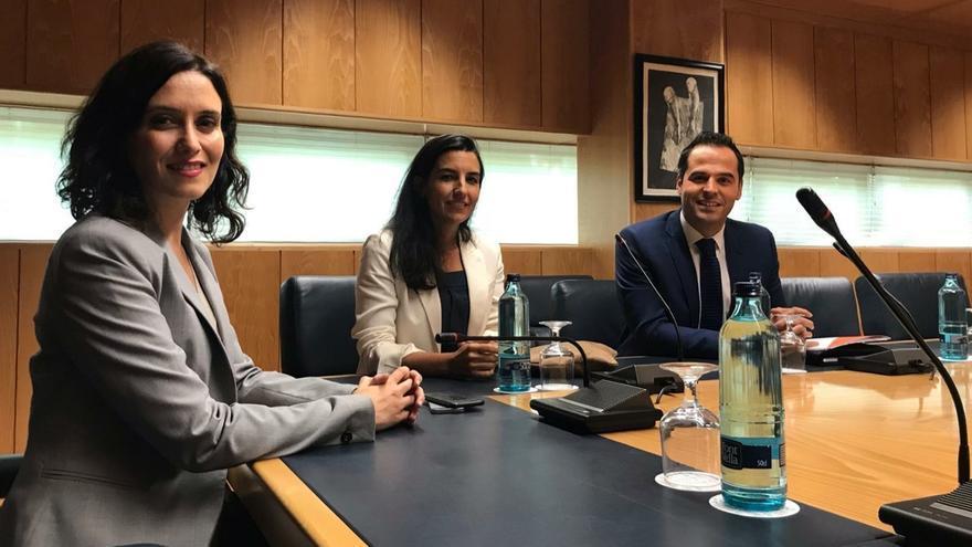 La reunión entre PP, Cs y Vox en Madrid acaba sin acuerdo.