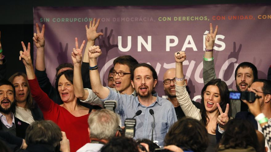 The leader of Podemos, Pablo Iglesias, and his team celebrate results in Madrid Spain, on 20 December 2015. The ruling party of Spanish Prime Minister Mariano Rajoy fell short of an absolute majority in the elections that saw both major traditional parties lose ground and left it uncertain who would form the next government. Spanish voters casted their ballots in parliamentary elections that will determine the country's next coalition government, with polls indicating that no party is likely to win enough seats to govern alone. Spanish Prime Minister Mariano Rajoy's conservative People's Party is facing off against the Socialist Workers' Party, the liberal Ciudadanos party and left-wing Podemos