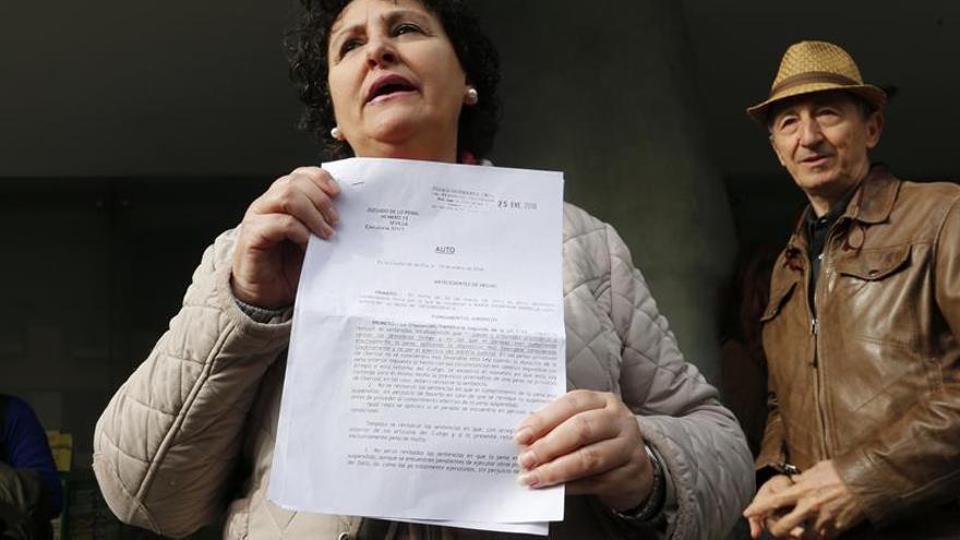 El Gobierno indulta a una maltratada condenada por incumplir el régimen de visitas de su hija