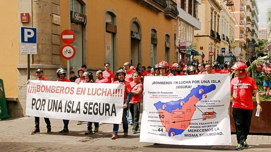 El grupo, al inicio de la manifestación de este miércoles