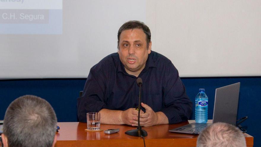 Antonio de Lucas durante la presentación de su tesis en Toledo