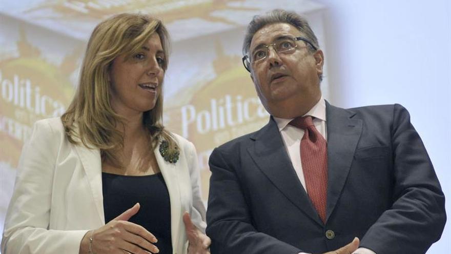 Díaz se reunirá con Zoido para luchar contra el narcotráfico en el Campo de Gibraltar