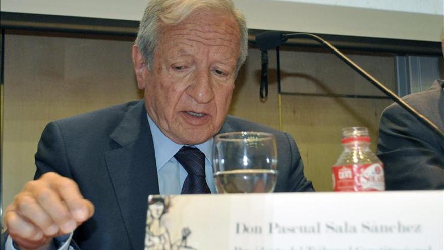 "Pascual Sala afirma que descalificar al Tribunal Constitucional ""le causa un grave daño"""