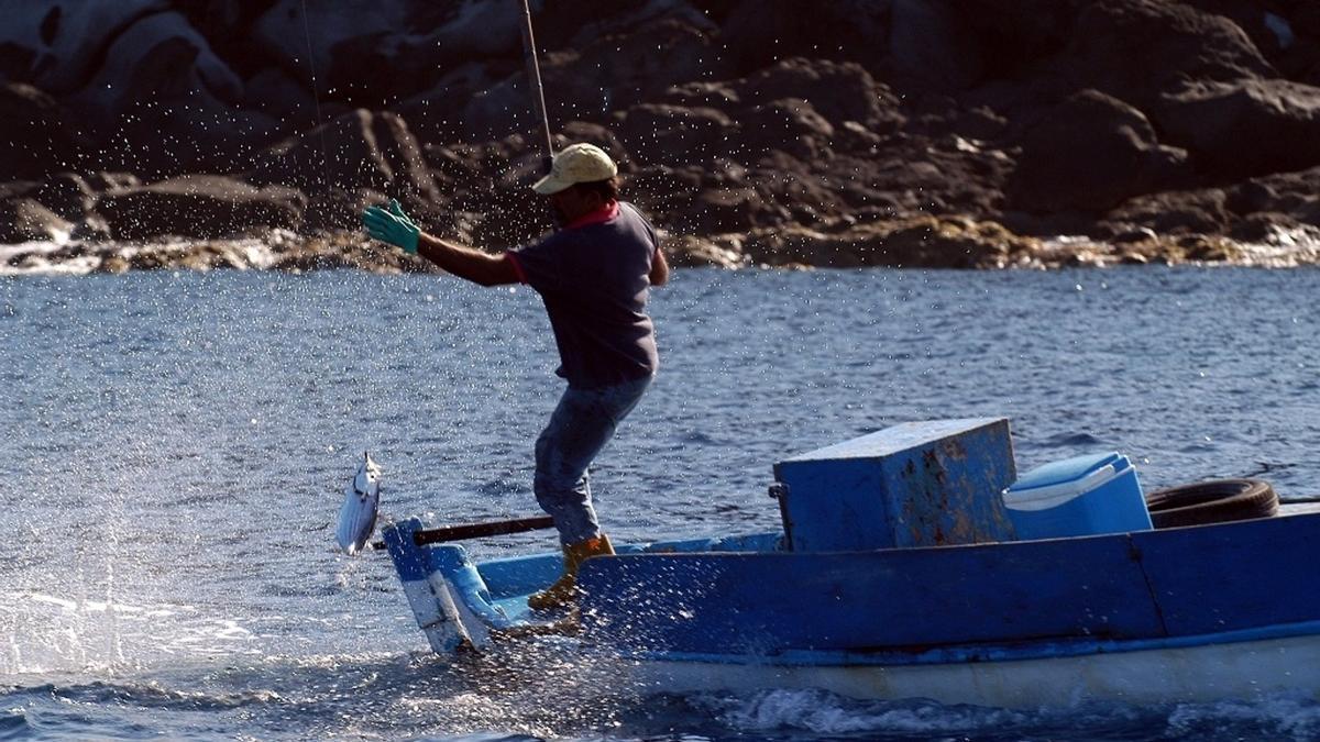 Imagen de archivo de un pescador.