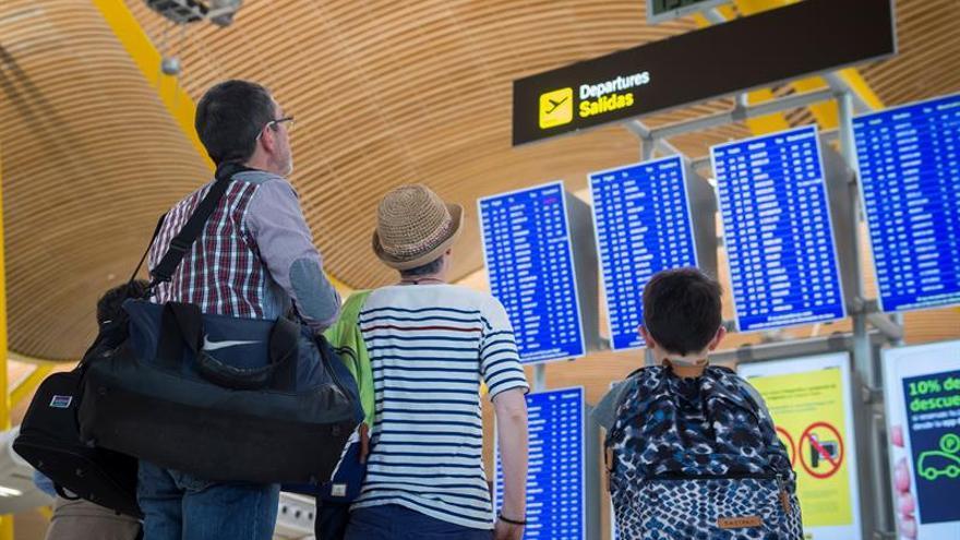 Enaire gestiona hasta octubre un 6,7 % más de vuelos y encadena 49 meses al alza