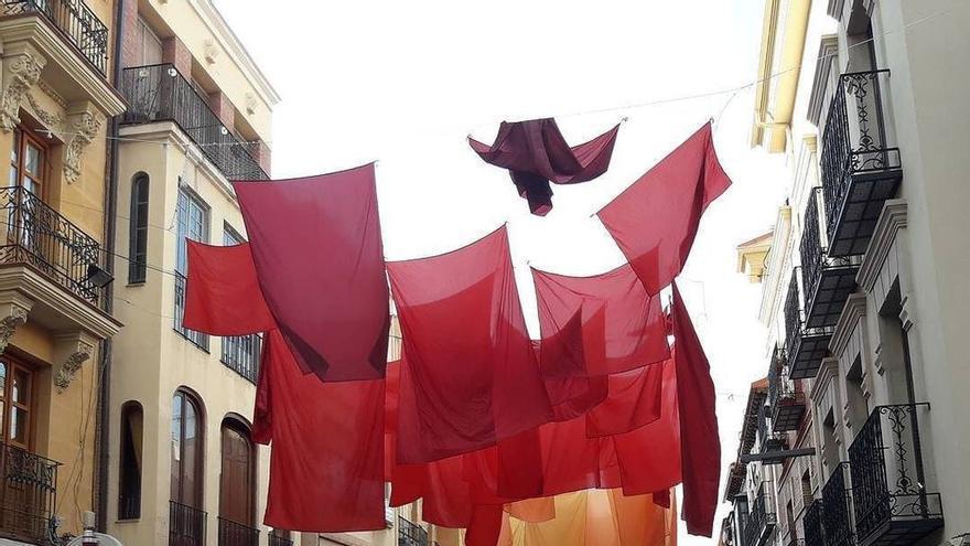 Decoración de una de las calles más céntrica de Guadalajara para el Maratón de Cuentos. Foto Agrupación fotográfica de Guadalajara